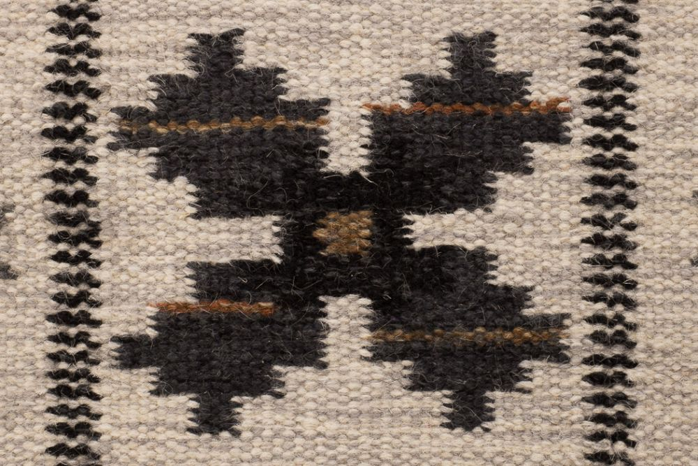 Floda svart 230x330