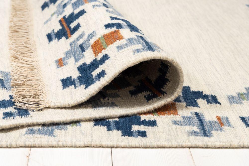 Torö Blue 230x330